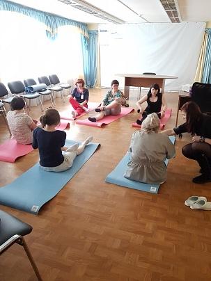 Фонд «Галчонок»  организовал групповое  занятие йогой и концерт художественной самодеятельности для  мам наших маленьких  пациентов и сотрудников
