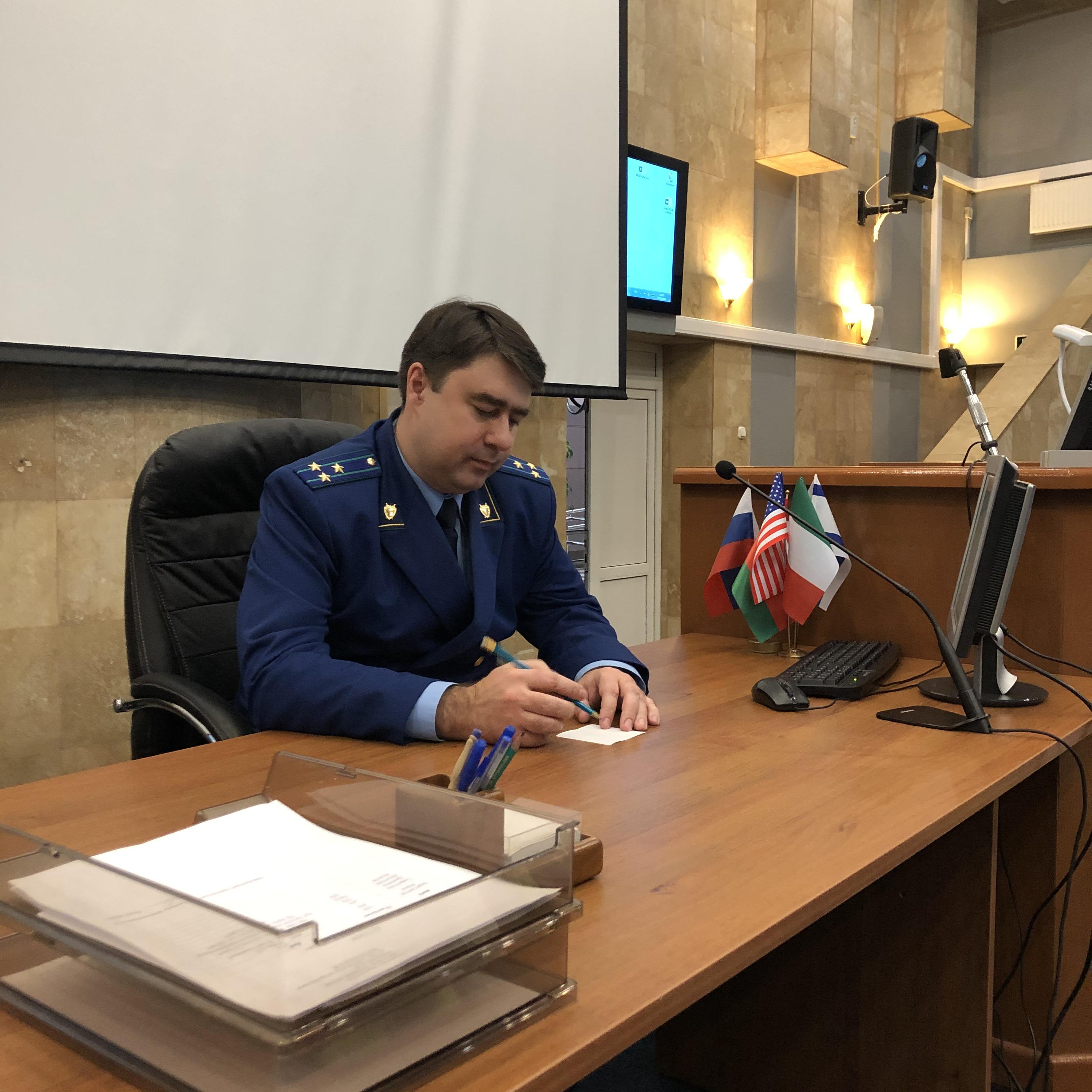 Прокурор Солнцевской районной прокуратуры встретился с родителями детей-инвалидов в НПЦ.