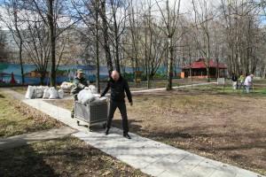 Весенний субботник в Московском центре паллиативной помощи детям